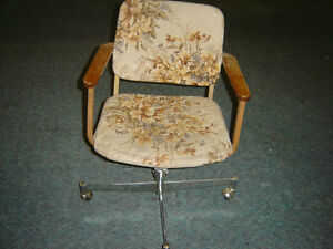 Used office chaires in good shape $50 and up stacking chairs$40 Regina Regina Area image 1
