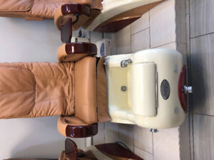 Pedicure spa chair and nail table $30