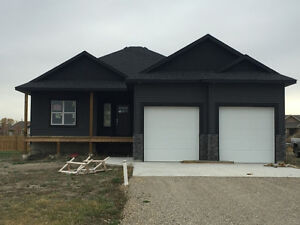 NEW CONSTRUCTION IN STIRLING- 3 more bdrms/1 more bth potential