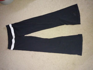 Lululemon black size 6 pants