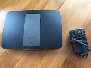 Router - Linksys EA6400