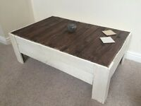 Shabby chic style handmade pallet table