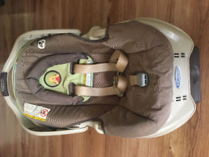 Winnie the Pooh Graco Carseat
