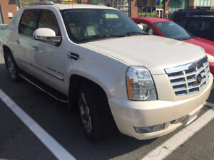 2007 Cadillac Escalade White Diamond Pickup Truck (Urgent!!)