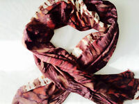 FOULARDS UNIQUES DE L'INDE - ONE-OF-A-KIND SCARVES FROM INDIA