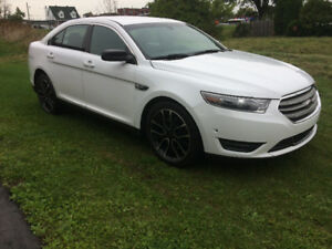 FORD TAURUS 2014LIMITED AWD FINANCEMENT MAISON