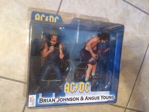 AC / DC brian + angus young figures NEUF new NECA ac/dc acdc