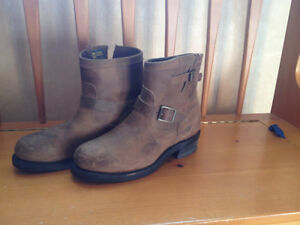 "Mens Chippewa 7"" Bay Crazy Horse Engineer Steel Toe Boots, Size9"