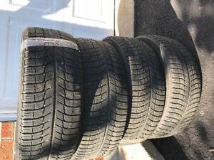 4 pneus d'hiver Michelin x-ice 215/55/R17