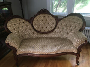 Antique Victorian Walnut Carved and Tufted Cameo Sofa Settee
