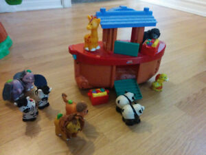 Fisher-Price Little People Noah' s Ark Gift Set