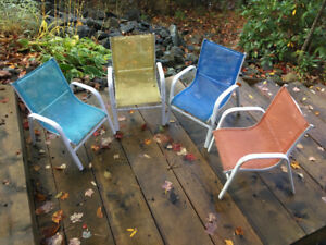 Childrens' chairs (4)