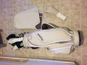 Womens Cleveland Bloom Golf Set- Left Handed-Almost Brand New