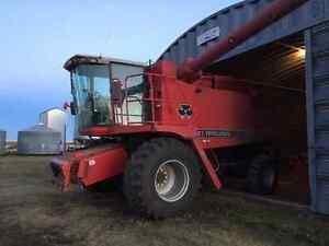 MF8780 combine