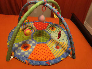 Almost new Fisher price play gym