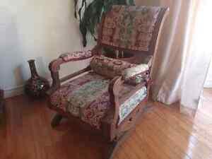 Old rocking chair -  Vielle chaise berçante