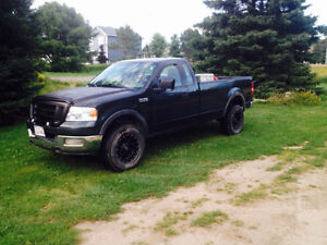 2004 Ford F-150 4x4. 2400$ or best offer!