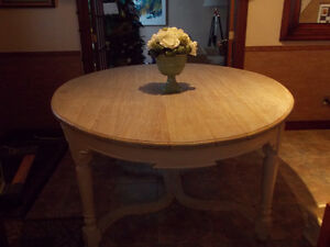 WOOD OVALE DINING TABLE