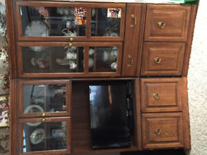 GORGEOUS MATCHING GLASS & WOOD WALL CABINETS! MINT CONDITION!