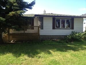 1 bd furnished, central by NAIT, evrtg included