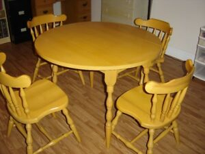 Drop Leaf Table And 4 Chairs From The 1970s