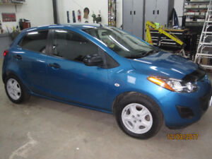 2012 Mazda Mazda2 GX Sedan  *Clean Carproof*