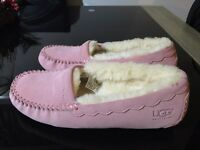 Genuine ugg ansley slippers size 5.5 (38.5)