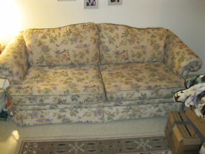 PRICE DROP Nice Clean couch in great shape 4 the buck.