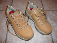 NEW Women's Sketcher Safety Shoes Size 7.5