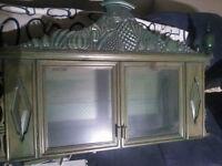 armoire avectablette antique faites par un ébéniste