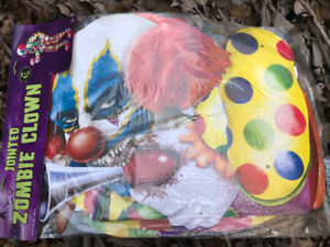 Brand New ZOMBIE CLOWN ~ $10 with extra decorations
