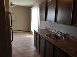 !!$350 off + 2month free rent on newly Renovated Pet friendly ho