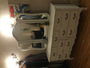 Dressers and chaise set