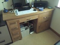 Oak Desk (Large - immaculate as new)