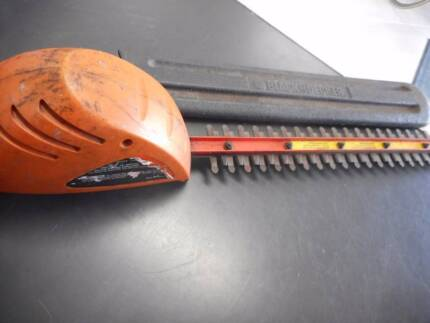 Black and Decker Pole Hedge Trimmer  (cordless)