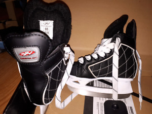 Boys hockey skates