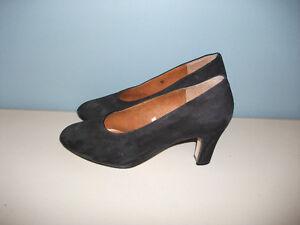 Chaussure suède Noir, pointure 7 (37)