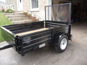 LIGHT WEIGHT UTILITY TRAILER WITH RAMP