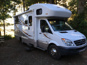 2014 Winnebego Navion/View Mercedes 3500 Sprinter Turbo Diesel