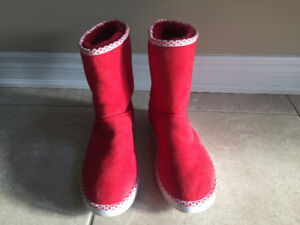 UGGS RED LADIES Sz 10 NEW no tags