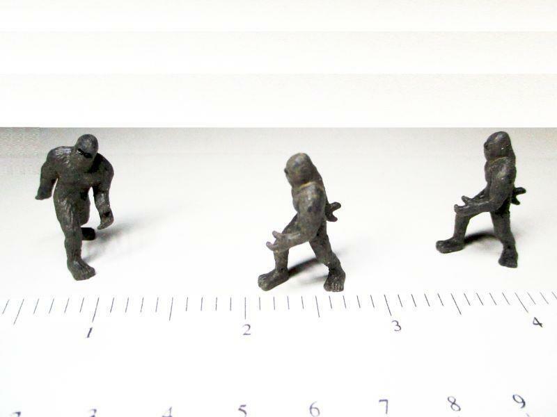 Dollhouse 3 Toy Bigfoot Figure Game Pcs 12050  Micro-mini Miniature