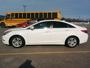 Hyundai Sonata GL with winter tires for sale