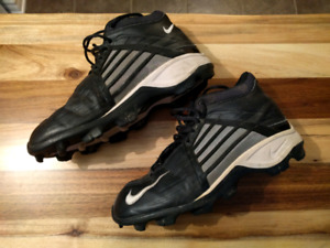Football cleats, size 9