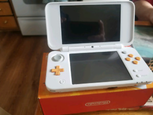 Barely used New 2ds Xl. 2 games