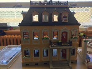 playmobile maison et château avec tous les articles inclus