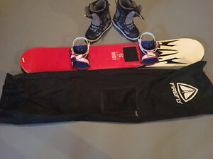 Snowboard, boots, binding and Snowboard bag