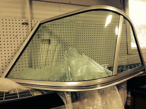HALF WINDSHIELD FOR BOAT - LUND FISHING BOAT
