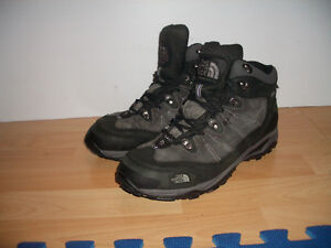 """"""""""" The North Face """""""" --- winter boots --- size 10 - 10.5 US"""