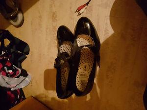 Womens shoes Regina Regina Area image 2