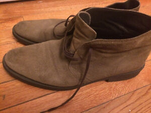 Suede shoes in very good condition
